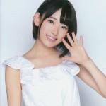 宮脇咲良の写真集の画像が人気?DVDの発送方法やメイキング映像はこちら!