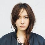 新垣結衣の2016年の彼氏は誰??岡田将生と同じ指輪をはめてる!?