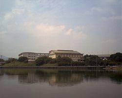 250px-福岡市立福翔高等学校_Up200608101310